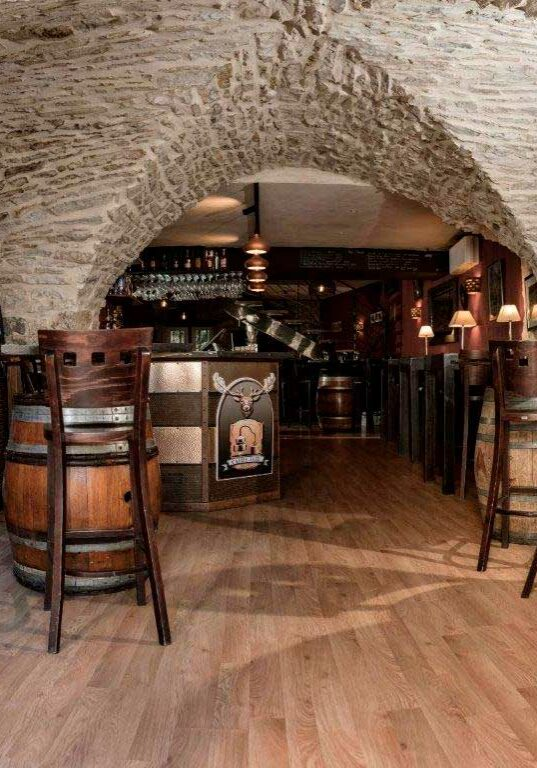 carre-jazz-restaurant-cave-whisky-spiritueux-bar-vins-evenements-nimes-gard-salle-1